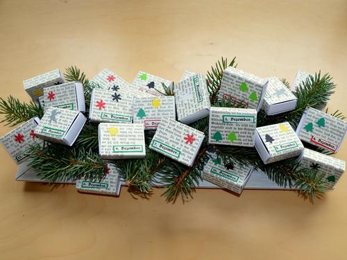 Adventskalender tannenbaum streichholzschachteln