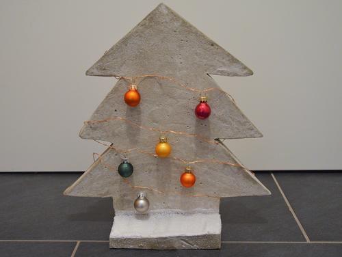 weihnachtsbaum aus beton bastelanleitung bastelrado. Black Bedroom Furniture Sets. Home Design Ideas