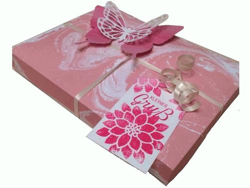 Frühlingshafte Verpackung für z.B. Pralinen