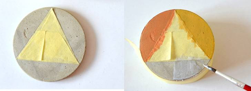 Klebe mit Malerkrepp die Formen ab, die Du möchtest.