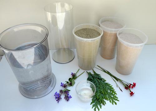 Hier erfährst Du welche Materialien Du für eine Vase aus Beton benötigst.