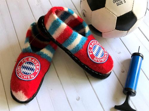 So Strickst Du Filzschuhe im Bayern München Style selbst.