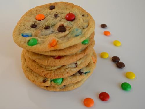 Cookies Kunterbunt mit Smarties oder M&Ms