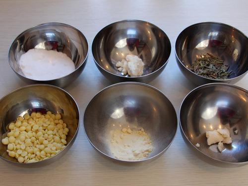 Diese Zutaten benötigst Du für die Badeschokolade
