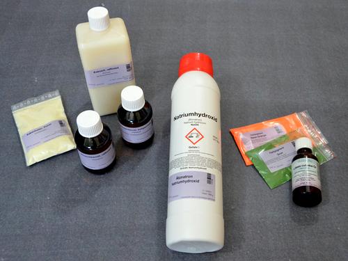 Passend zur JAhreszeit Sommer, kannst Du dir eine induviduelle Seife aus diesen Zutaten selber sieden.