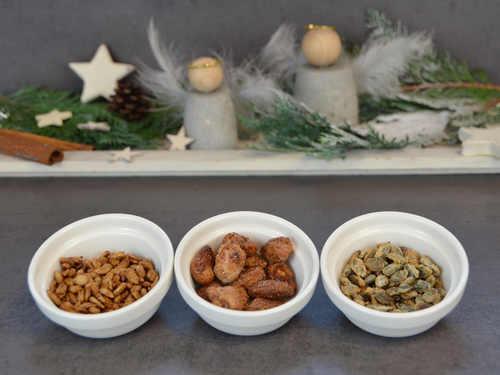 Gebrannte Mandeln, Kürbiskerne udn Sonneblumenkerne passen gut zur Adventszeit.