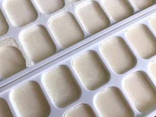 Ausgelassenes Rinderfett ist ein sehr weißes, reines Fett.