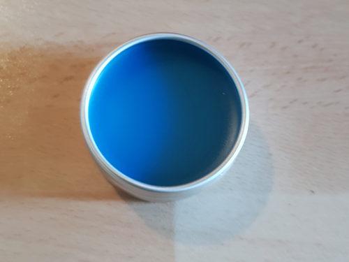 Blaue Lippenpflege, auch bekannt als Schnutenbalsam 2.0